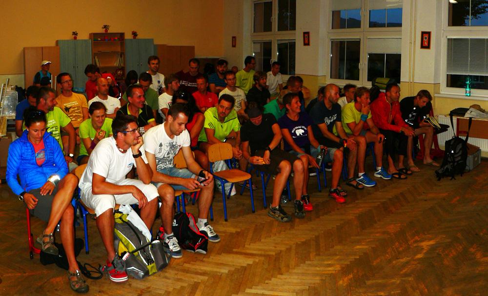 Na_tie_stoličky_pre_prvákov_sa_zmestí_viac_ľudí_:-)