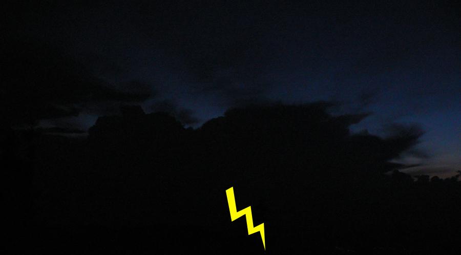 Pokus_o_fotenie_búrky_z_Hnilickej_Kýčery,_22:00